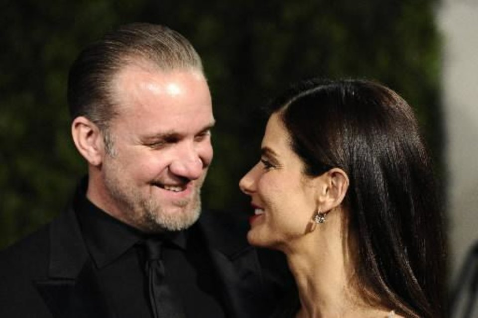 Jesse James and Sandra Bullock (AP photo by Peter Kramer)