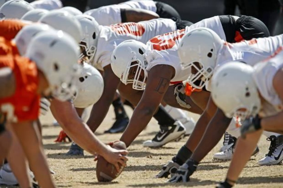 OKLAHOMA STATE UNIVERSITY / OSU / COLLEGE FOOTBALL: Oklahoma State\'s Eric Davis lines up during an OSU spring football practice in Stillwater, Okla., Wednesday, March 13, 2013. Photo by Bryan Terry, The Oklahoman