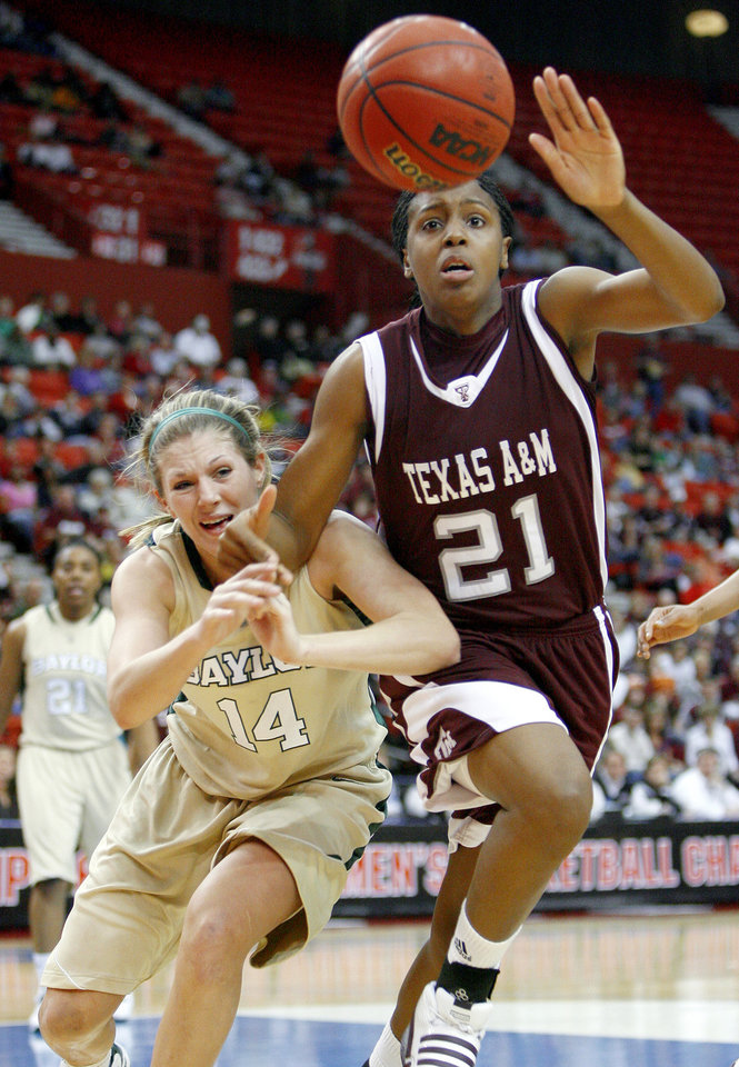 Texas A&M's Adaora Elonu and Baylor's Rachel Allison go for a loose ball during the championship game of the Big 12 Women's Basketball Championship between Baylor and Texas A&M at the Cox center in Oklahoma City, Sunday, March 15, 2009. PHOTO BY BRYAN TERRY, THE OKLAHOMAN