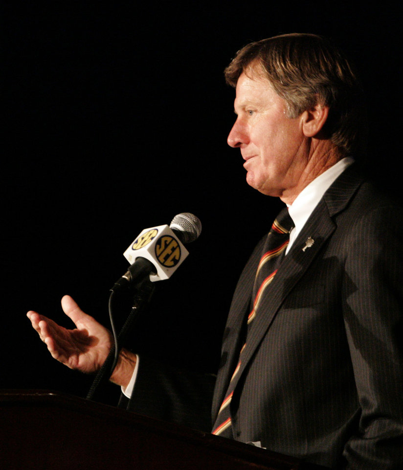 Photo - South Carolina coach Steve Spurrier talks about the upcoming season during the Southeastern Conference football Media Days in Hoover, Ala. on Friday, July  24, 2009. (AP Photo/ Butch Dill) ORG XMIT: ALBD112