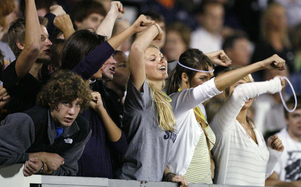 Heritage Hall fans cheer during the Kingfisher at Heritage Hall High School football game in Oklahoma City, Friday, Oct. 3, 2008. BY NATE BILLINGS, THE OKLAHOMAN. ORG XMIT: KOD