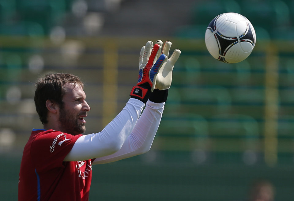 Czech Republic's Petr Cech catches a ball during a training session of Czech Republic at the soccer Euro 2012 in Wroclaw, Poland, Monday, June 18, 2012. (AP Photo/Petr David Josek)