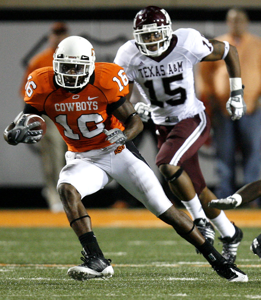 Photo - Oklahoma State's Perrish Cox (16) gets some running room past Texas A&M's Kenny Brown (15) during the second half of the college football game between the Oklahoma State University Cowboys (OSU) and the Texas A&M University Aggies (TAM) at Boone Pickens Stadium on Saturday, Oct. 4,  2008, in Stillwater, Okla. SARAH PHIPPS, THE OKLAHOMAN  ORG XMIT: KOD