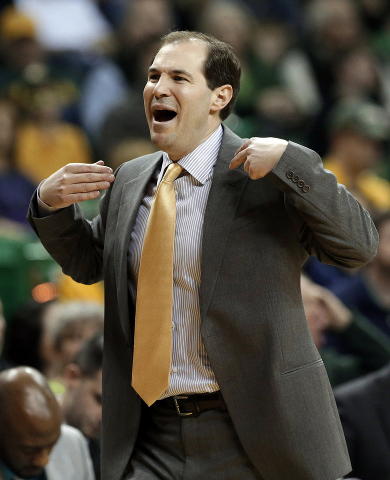 Baylor head coach Scott Drew calls for a time out after an Oklahoma score late in the first half of an NCAA college basketball game Wednesday, Jan. 30, 2013, in Waco, Texas. (AP Photo/Tony Gutierrez)