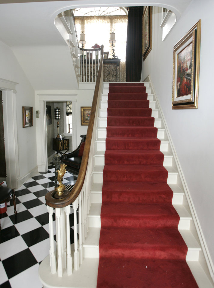 Photo - JOHN BODE / DENISE BODE / HOMEOWNERS / INTERIOR / STAIRS / STAIRCASE: Entry of the 2009 Symphony Designers Show House at 431 NW 17 in Oklahoma City, Oklahoma, Thursday, April 16, 2009.  Photo by Steve Gooch, The Oklahoman ORG XMIT: KOD