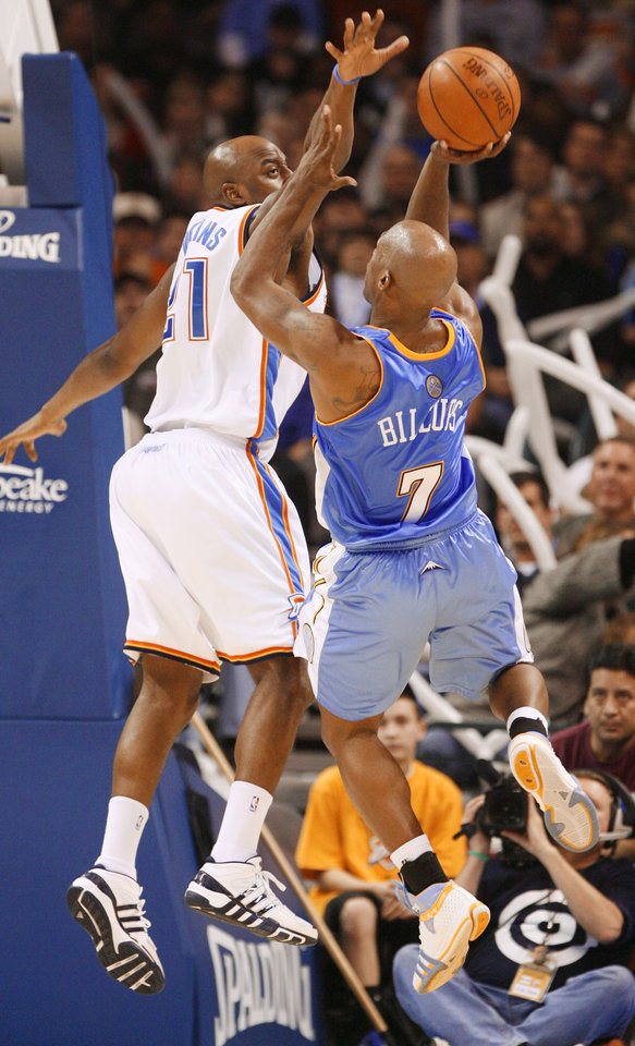 Photo - NBA BASKETBALL: Chauncey Billups shoots over the block attempt by Damien Wilkins in the second half as the Oklahoma City Thunder play the Denver Nuggets at the Ford Center in Oklahoma City, Okla. on Friday, January 2, 2009.  Photo by Steve Sisney/The Oklahoman  ORG XMIT: kod Photo by Steve Sisney, The Oklahoman