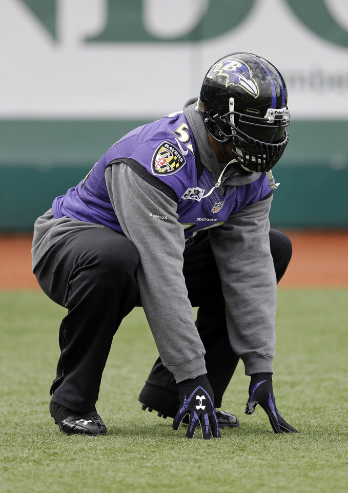 Baltimore Ravens linebacker Ray Lewis warms up during an NFL Super Bowl XLVII football practice on Wednesday, Jan. 30, 2013, in New Orleans. The Ravens face the San Francisco 49ers in Super Bowl XLVII on Sunday, Feb. 3. (AP Photo/Patrick Semansky)