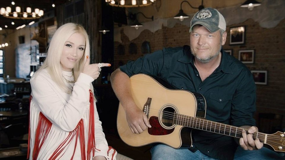 Photo - Gwen Stefani and Blake Shelton will appear on Thursday's