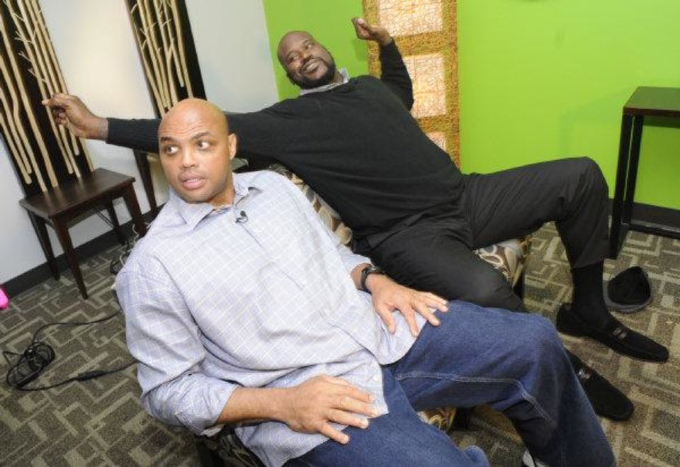 Charles Barkley, left, and Shaquille O'Neal wrap up an interview at TNT studios on Thursday. Barkley said the Clippers might be the best team in Los Angeles. AP PHOTO