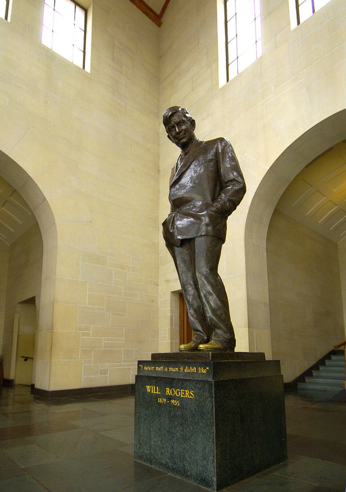 Photo - The Will Rogers statue stands at the Will Rogers Memorial Museum. PHOTO BY PAUL HELLSTERN, THE OKLAHOMAN ARCHIVES