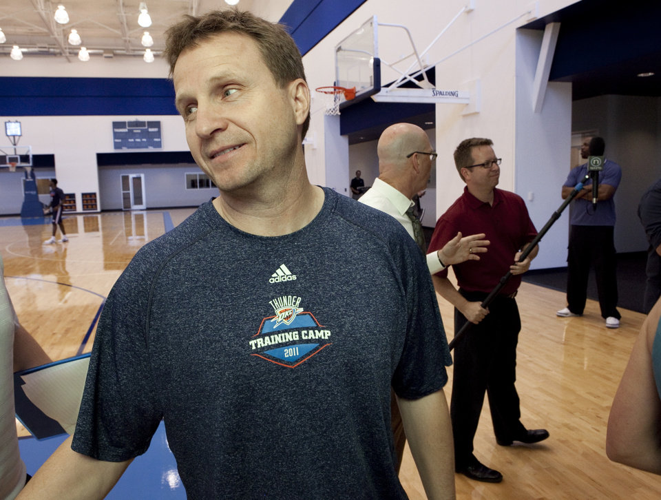 Photo - Head coach Scott Brooks talks with the media at the Oklahoma City Thunder practice facility on Friday, April 27, 2012, in Oklahoma City, Okla.  Photo by Steve Sisney, The Oklahoman