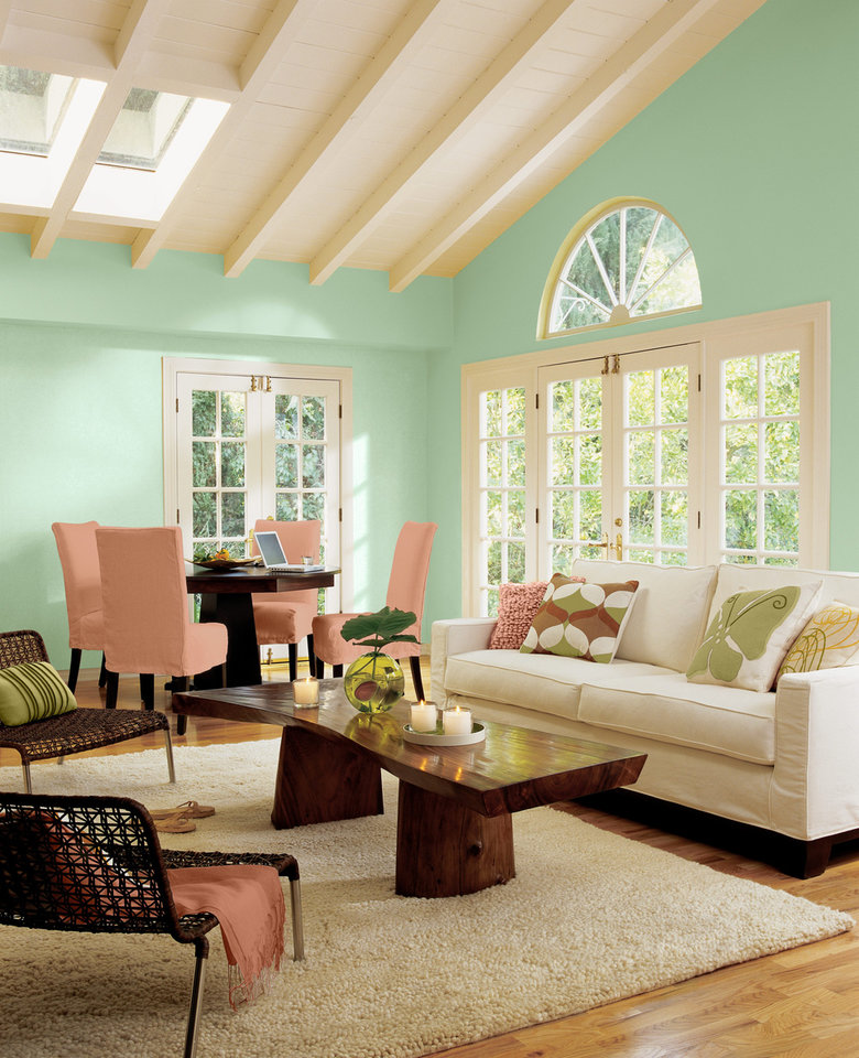 Say hello to ?Aloe.? The minty-green-leaning-toward-blue shade featured on these walls is Sherwin-Williams 2013 Color of the Year. ?It?s fresh, fun, optimistic, hopeful, and not downbeat,? said Jackie Jordan, the paint company?s director of color marketing. Photo courtesy of Sherwin-Williams.  <strong></strong>