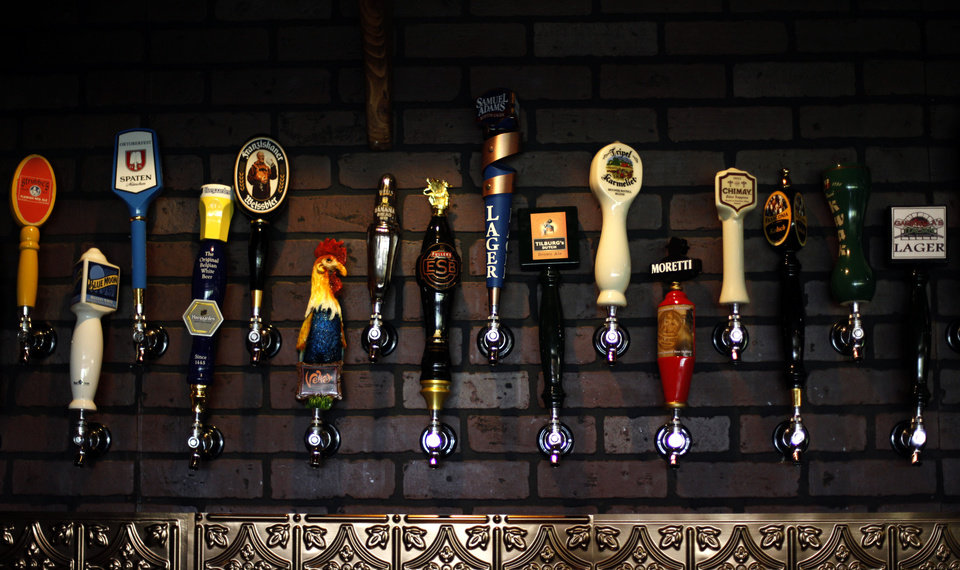 Photo - Gabriella's Italian Grill and Pizzeria serves nearly 30 beers on tap.  SARAH PHIPPS - THE OKLAHOMAN