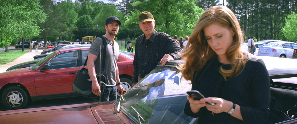 """Photo -  (L–r) JUSTIN TIMBERLAKE as Johnny, CLINT EASTWOOD as Gus and AMY ADAMS as Mickey in Warner Bros. Pictures' drama """"TROUBLE WITH THE CURVE,"""" a Warner Bros. Pictures release."""