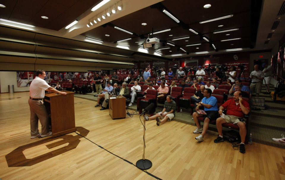 Head coach Bob Stoops speaks with the media during the Meet the Sooners event at the University of Oklahoma on Saturday, Aug. 4, 2012, in Norman, Okla.  Photo by Steve Sisney, The Oklahoman