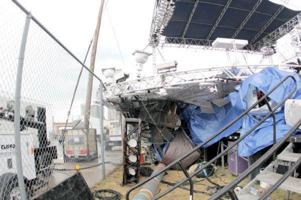 High winds ended downtown Tulsa?s Brady District Block Party Saturday evening when the Flaming Lips' light rig crashed onto the music festival's main stage.   <strong>BY NATHAN POPPE, SPECIAL TO THE OKLAHOMAN</strong>