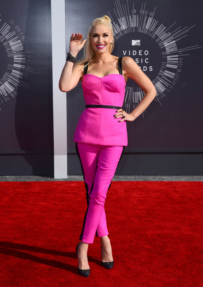 Photo - Gwen Stefani arrives at the MTV Video Music Awards at The Forum on Sunday, Aug. 24, 2014, in Inglewood, Calif. (Photo by Jordan Strauss/Invision/AP)
