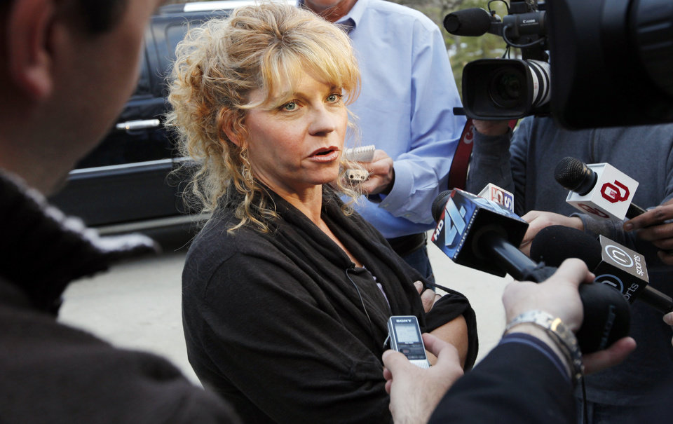 Photo - UNIVERSITY OF OKLAHOMA: OU head coach Sherri Coale speaks with the media after learning the Sooners are a No. 6 seed in the Dayton Regional of the NCAA women's college basketball tournament, in Norman, Okla., Monday, March 14, 2011.  Photo by Nate Billings, The Oklahoman ORG XMIT: KOD
