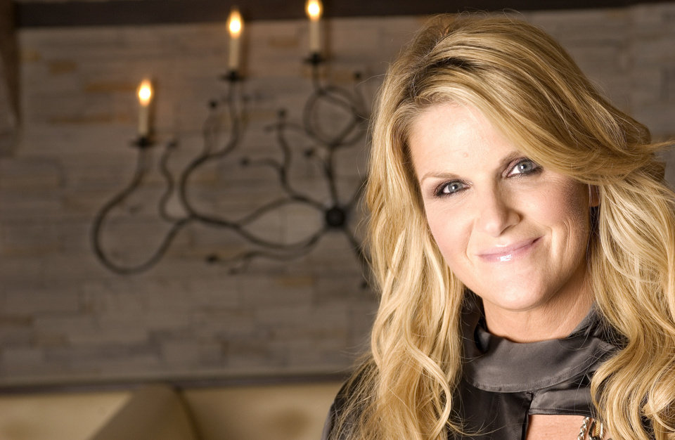 Photo - Country singer Trisha Yearwood is photographed in New York, Oct. 11, 2007.   (AP Photo/Jim Cooper) ORG XMIT: NYET558