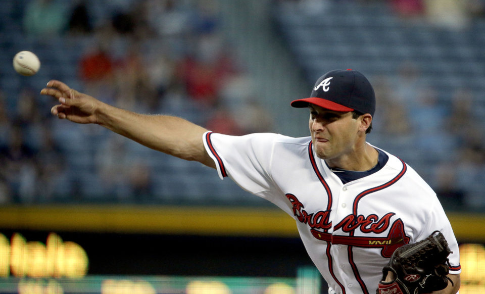 Photo - Atlanta Braves starting pitcher David Hale throws in the first inning of a baseball game against the Philadelphia Phillies, Thursday, Sept. 26, 2013, in Atlanta. (AP Photo/David Goldman)