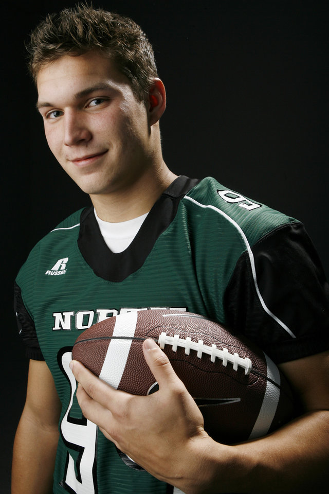 Photo - HIGH SCHOOL FOOTBALL: All State football player Bryce Easley, Norman North, in the OPUBCO studio, Wednesday, Dec. 17, 2008. BY NATE BILLINGS ORG XMIT: KOD