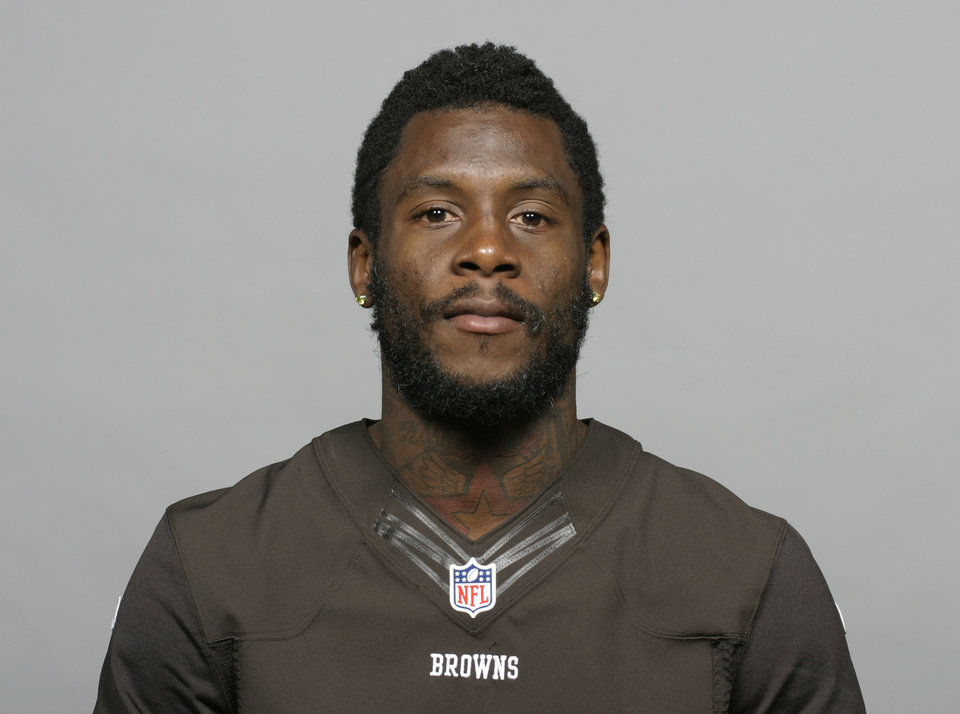 Photo - FILE - This is a 2013 file photo showing Davone Bess. The Browns have released troubled wide receiver Davone Bess.  The expected move comes after a pattern of disturbing behavior during the offseason by Bess, who spent just one season with Cleveland after being acquired in a trade last April. Bess was arrested for assaulting a police officer at an airport in Florida and he also posted photos of himself on social media with what appeared to be marijuana. (AP Photo/File)