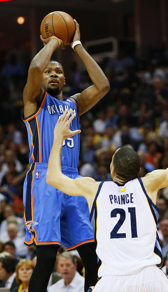 Photo - Oklahoma City's Kevin Durant (35) shoots over Memphis' Tayshaun Prince (21) during Game 4 of the second-round NBA basketball playoff series between the Oklahoma City Thunder and the Memphis Grizzlies at FedExForum in Memphis, Tenn., Monday, May 13, 2013. Photo by Nate Billings, The Oklahoman