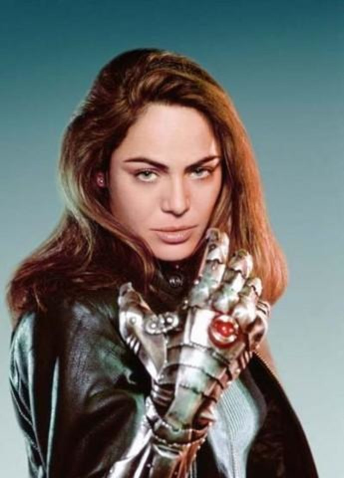 "Yancy Butler as Sara Pezzini in the TV series ""Witchblade."" - PHOTO PROVIDED BY TNT   ORG XMIT: 0807241515105554"