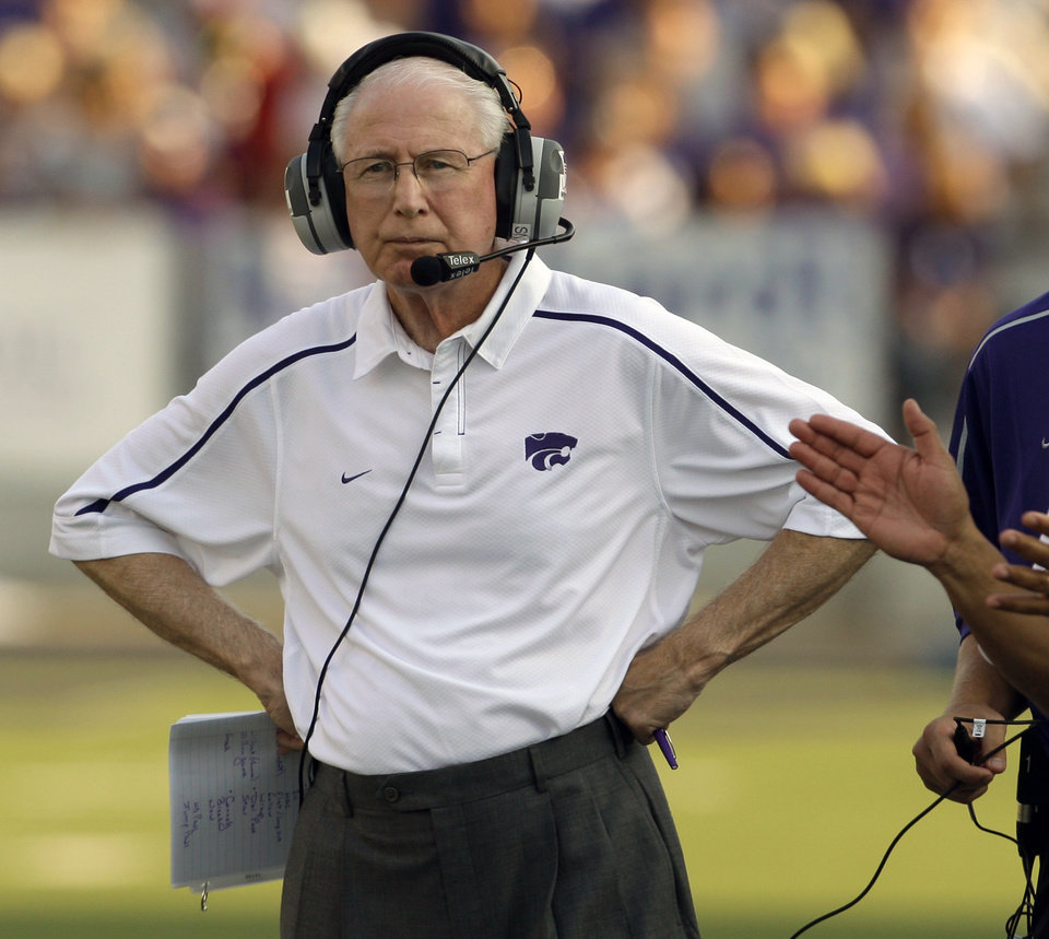 Photo - Kansas State University coach Bill Snyder watches his team during the first half of their NCAA college football game against Massachusetts in Manhattan, Kan., Saturday, Sept. 5, 2009. (AP Photo/Orlin Wagner) ORG XMIT: KSOW101