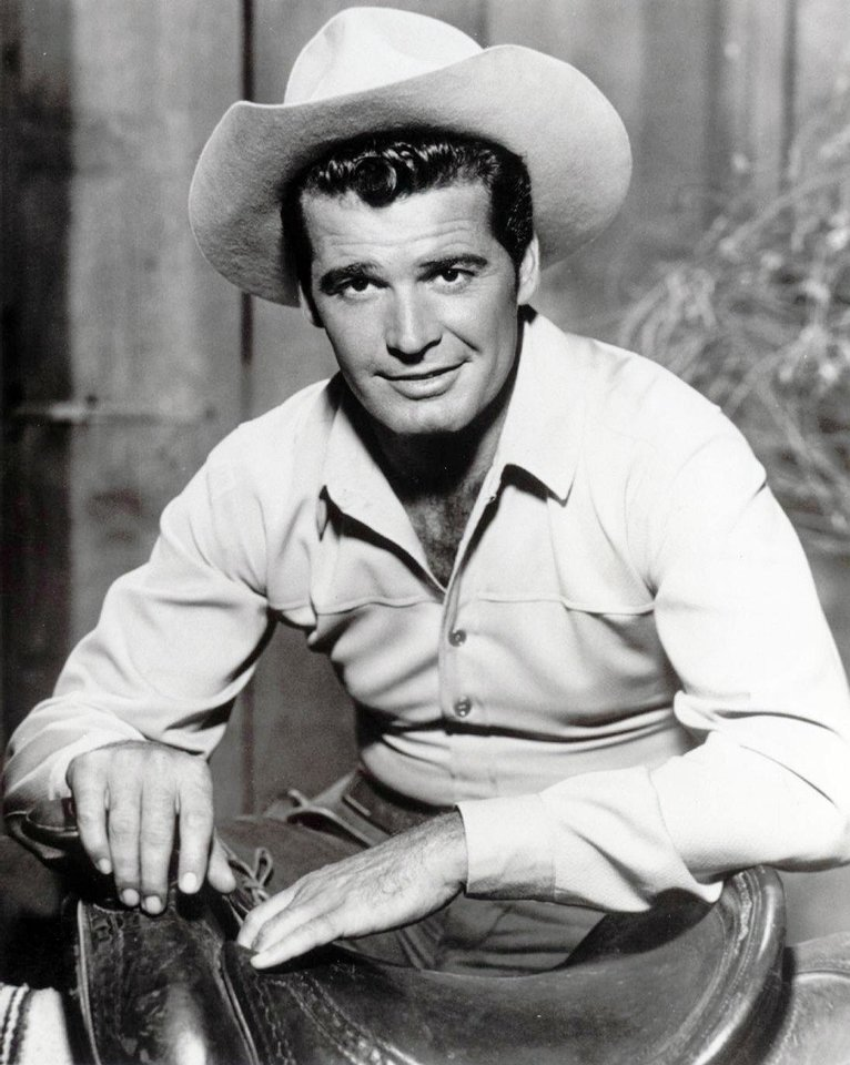 Photo - James Garner as Maverick. Community Photo By photo provided.Submitted By Gary, Norman Photo ID: 18896 Source: Gary Kramer 225 N Webster Norman, OK 73069 405-364-7104 gkramer@pls.lib.ok.us Photographer: photo provided Date Submitted: Monday, April 10, 2006 13:17:33 My Norman - User Submitted Photos