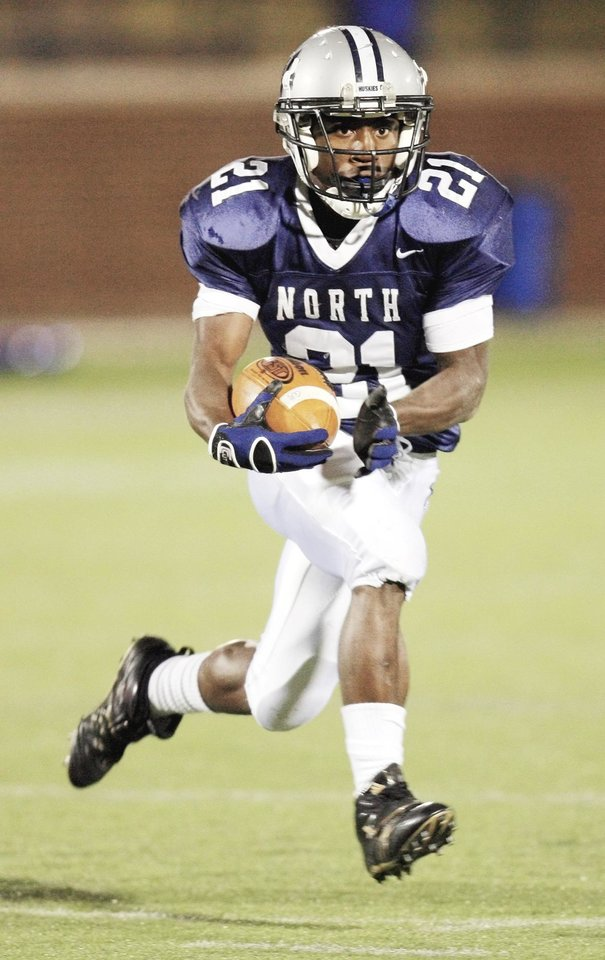 Roy Finch of Niceville, Fla., who played one season at Edmond North, committed to OU last weekend. Finch is the No. 3-rated all-purpose running back in the nation according to Rivals. Photo by Nate Billings, The Oklahoman Archive