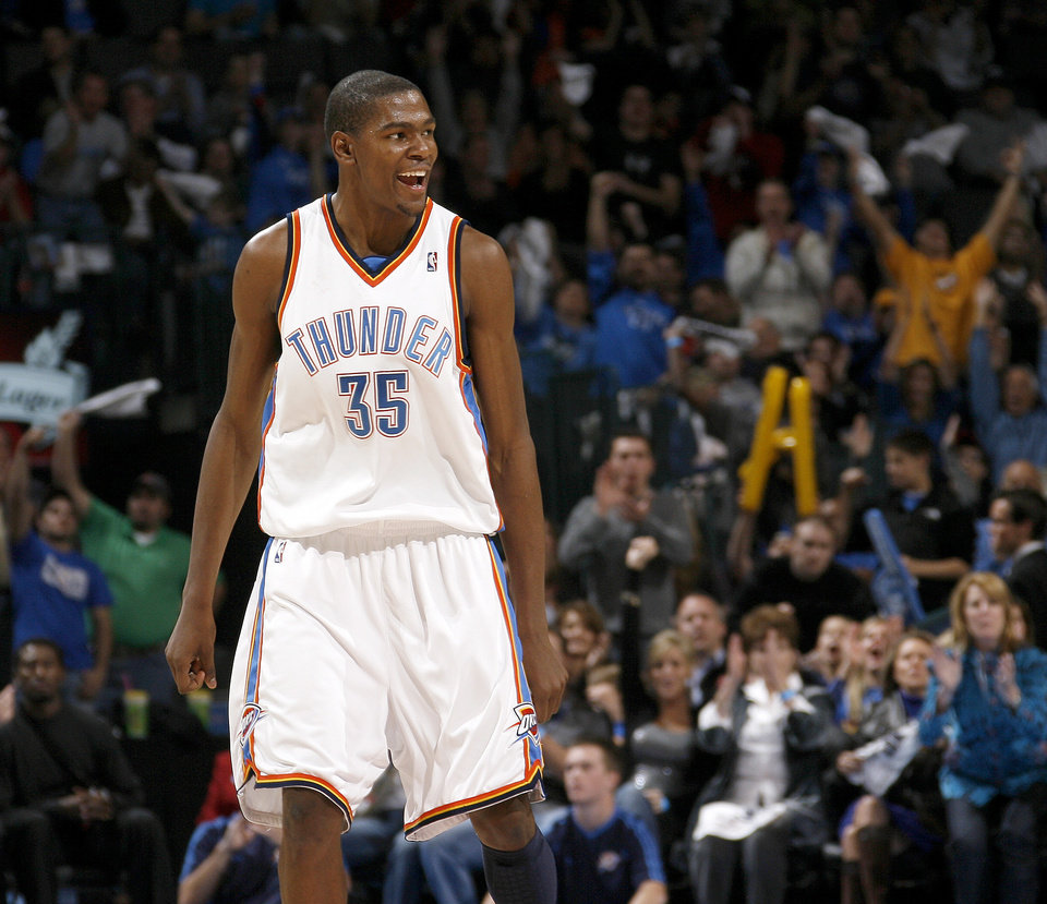 Photo - CELEBRATION: Oklahoma City's Kevin Durant celebrates during the NBA basketball game between the Oklahoma City Thunder and the Milwaukee Bucks at the Ford Center in Oklahoma City on Friday, November 27, 2009. Photo by Bryan Terry, The Oklahoman ORG XMIT: KOD