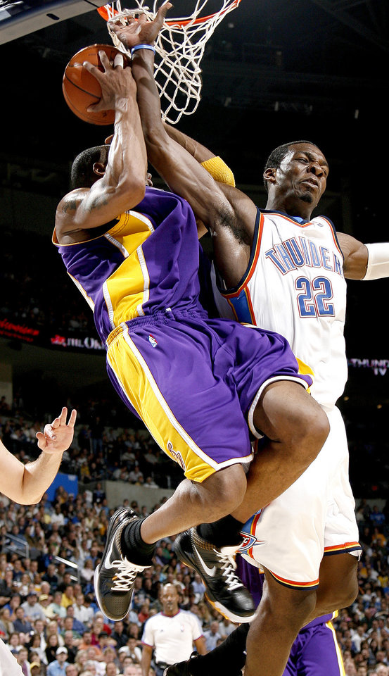 Oklahoma City's Jeff Green fouls Kobe Bryant of the Lakers during the NBA basketball game between the Los Angeles Lakers and the Oklahoma City Thunder at the Ford Center,Tuesday, Feb. 24, 2009. The Thunder lost 107-93. PHOTO BY BRYAN TERRY, THE OKLAHOMAN