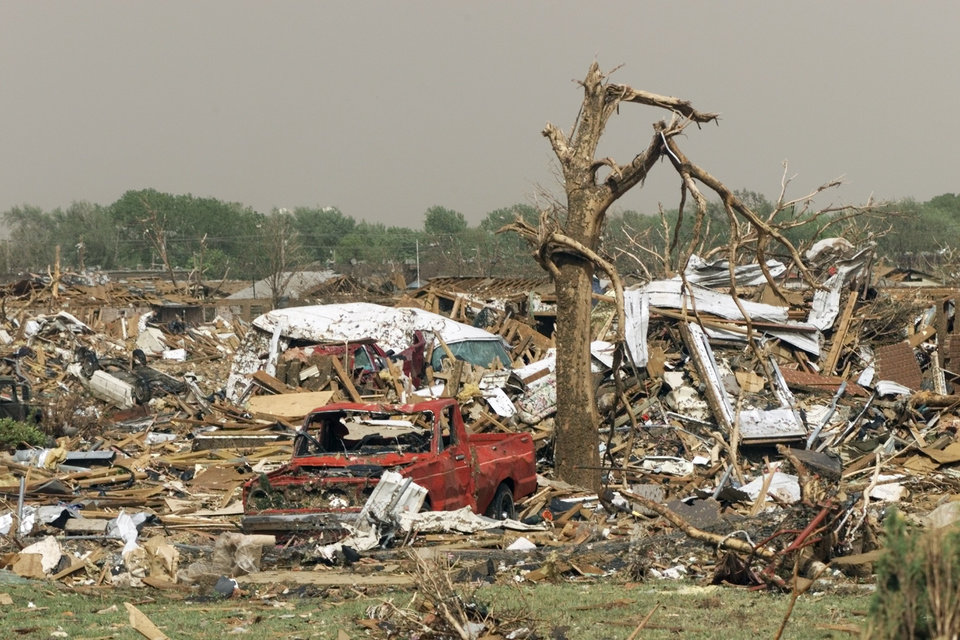MAY 3, 1999 TORNADO: Tornado damage near S.E. 44th  just west of sooner rd. in Del City.