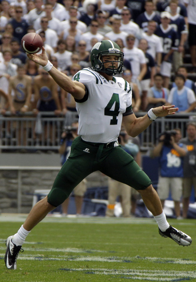 Photo -   Ohio quarterback Tyler Tettleton (4) throws a pass during the first quarter of an NCAA college football game against Penn State at Beaver Stadium in State College, Pa., Saturday, Sept. 1, 2012. (AP Photo/Gene J. Puskar)