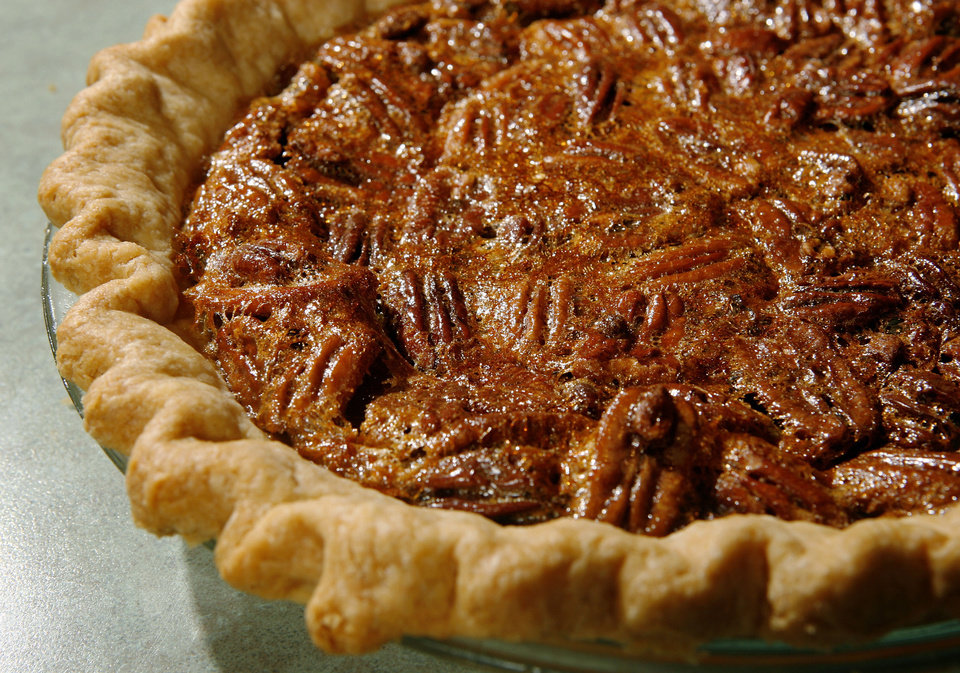 Photo - FOOD / PECAN PIE: Components of a traditional Thanksgiving meal. Photographed Wednesday, Sept. 23, 2009.   Photo by Jim Beckel, The Oklahoman ORG XMIT: KOD