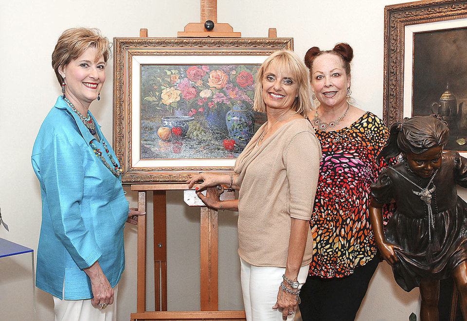 Photo - Gerry Holland, Deborah Kersey, Cynde Roof.  Photo by David Faytinger, for the Oklahoman