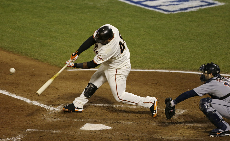 Photo -   San Francisco Giants' Pablo Sandoval hits a home run during the fifth inning of Game 1 of baseball's World Series against the Detroit Tigers Wednesday, Oct. 24, 2012, in San Francisco. (AP Photo/Jeff Chiu)