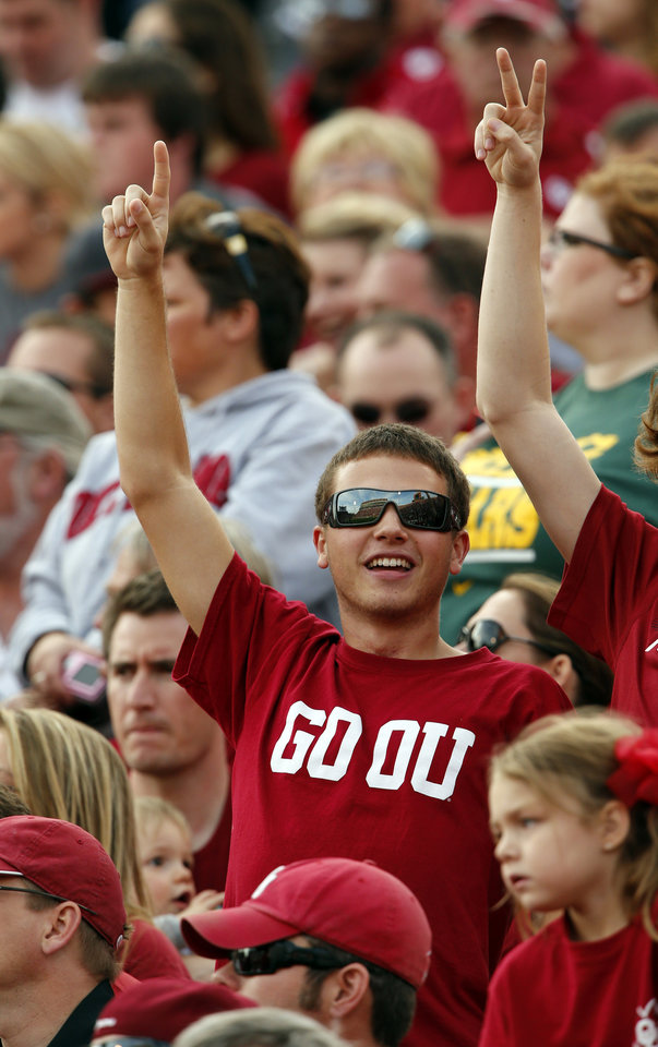 Photo - Sooner fans show their spirit during the college football game between the University of Oklahoma Sooners (OU) and the Baylor University Bears (BU) at Gaylord Family-Oklahoma Memorial Stadium in Norman, Okla., Saturday, Nov. 10, 2012.  Photo by Steve Sisney, The Oklahoman