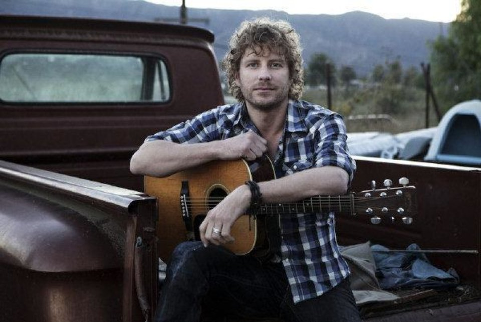 Photo - Dierks Bentley. Photo by James Minchin III.
