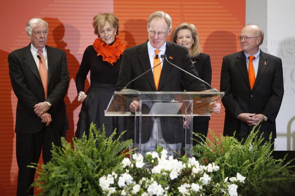 Photo - OSU President Burns Hargis speaks during an announcement about a one billion dollar fundraising campaign on the campus of Oklahoma State University in Stillwater, OK, Friday, Feb. 26, 2010. Behind him are oilman T. Boone Pickens, Ann Hargis, Billie McKnight and Ross McKnight. Staff photo by Paul Hellstern, The Oklahoman. ORG XMIT: KOD
