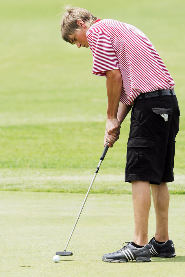 Photo - Idabel's Harrison Shipp is one of 160-plus high school golfers invited to play in the inaugural Oklahoma All-Star Classic. PHOTO BY NATE BILLINGS, THE OKLAHOMAN