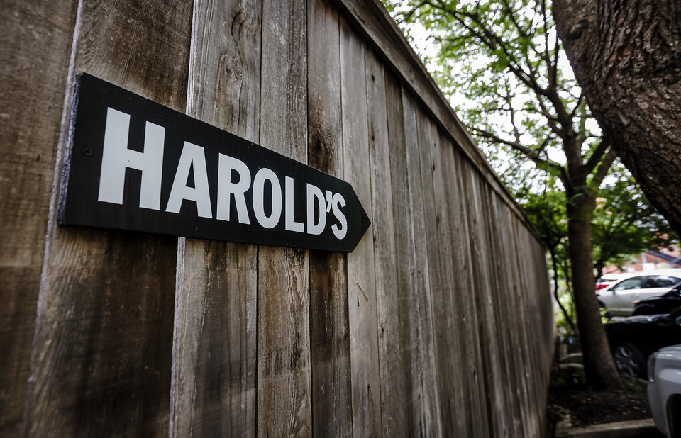 Photo -  Harold's Stores Inc. filed for bankruptcy in 2008 and began liquidating its stores. Photo by Chris Landsberger, The Oklahoman   CHRIS LANDSBERGER -  CHRIS LANDSBERGER