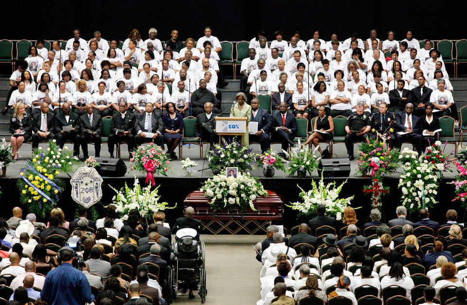 Photo - About 2,500 people celebrated the life and legacy of Oklahoma City civil rights pioneer Clara Mae Shepard Luper  during a lively service in the Cox Convention Center that lasted more than three hours, Friday,  June 17, 2011.  Luper died  last week at the age of 88. Photo by Jim Beckel, The Oklahoman