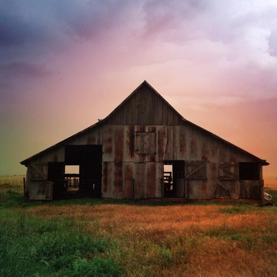 West of Hinton, Oklahoma - Photo by Instagrammer @erinoldfieldart