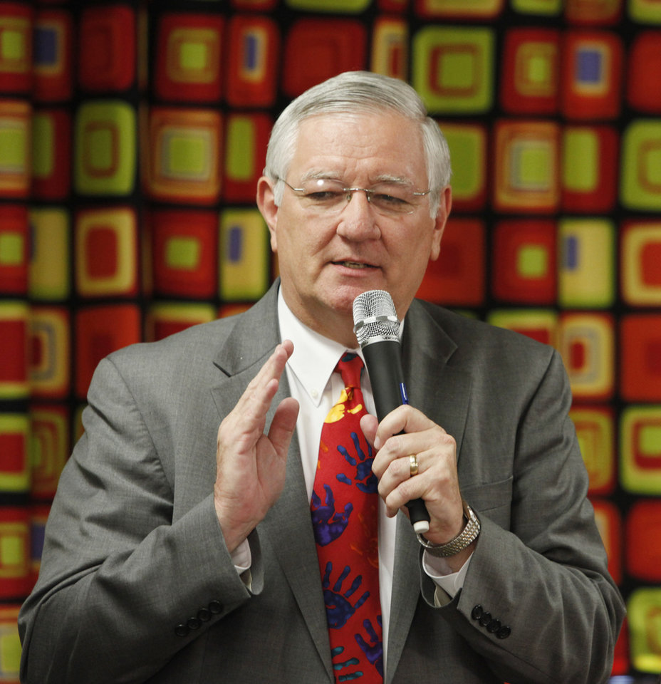 Photo - Howard Hendrick, Director, Oklahoma Department of Human Services, speaks during a Family Expectations press conference in Oklahoma City, Oklahoma August 24 , 2010. Photo by Steve Gooch, The Oklahoman ORG XMIT: KOD