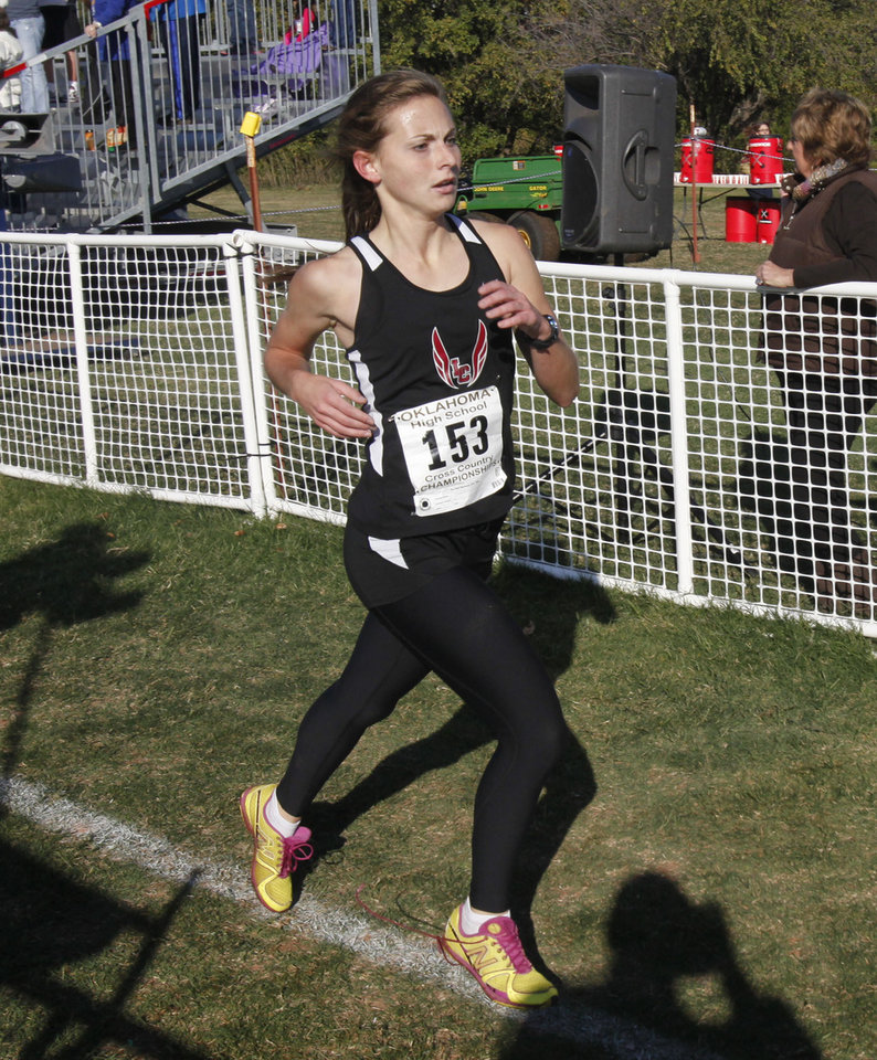 Lincoln Christian's Laura Kunz comes in second in the Girls 4A State Cross Country Finals at Edmond Santa Fe High School in Edmond, OK, Saturday, October 27, 2012,  By Paul Hellstern, The Oklahoman