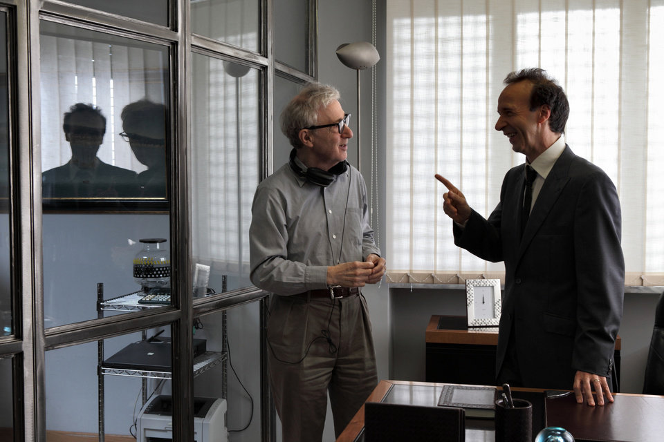 Photo -   This film image released by Sony Pictures Classics shows, director Woody Allen, left, and Italian actor Roberto Benigni during the filming of