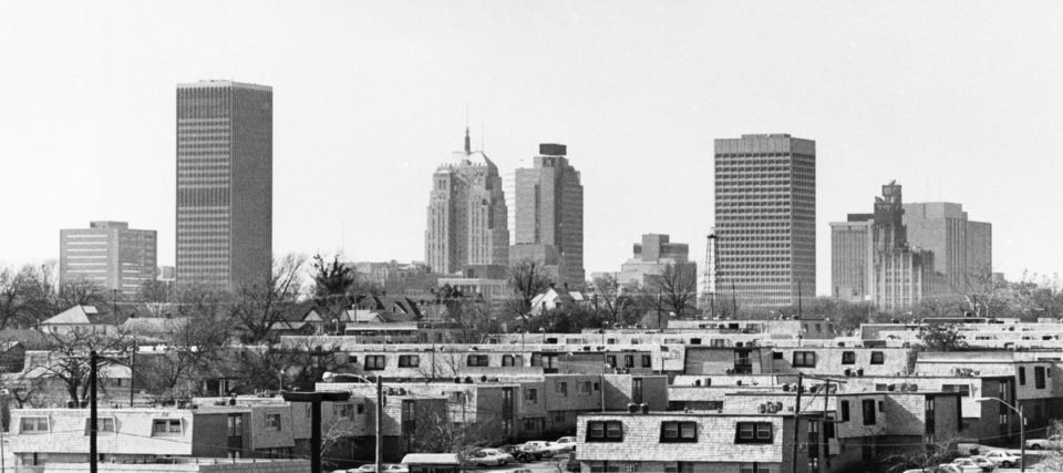 OKLAHOMA CITY / SKY LINE / OKLAHOMA:  No caption.  Staff photo by Paul Hellstern.  Photo dated 11/19/1982 and unpublished.  Photo arrived in library 03/24/1983.