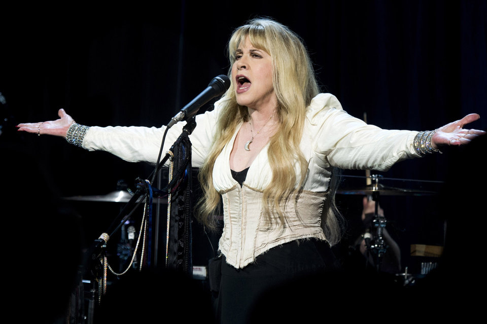 Photo -   Stevie Nicks performs at Elton John's AIDS Foundation's 11th annual Enduring Vision benefit on Monday, Oct. 15, 2012 in New York. (Photo by Charles Sykes/Invision/AP)